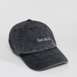 "NIKE ""Just Do It"" Logo Cap"